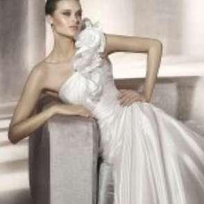 Свадебные платья 2012 2