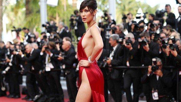 Платье с открытой спиной 16