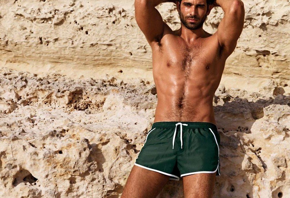 Модные пляжные шорты