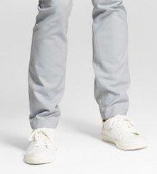Коричневые туфли с черными брюками