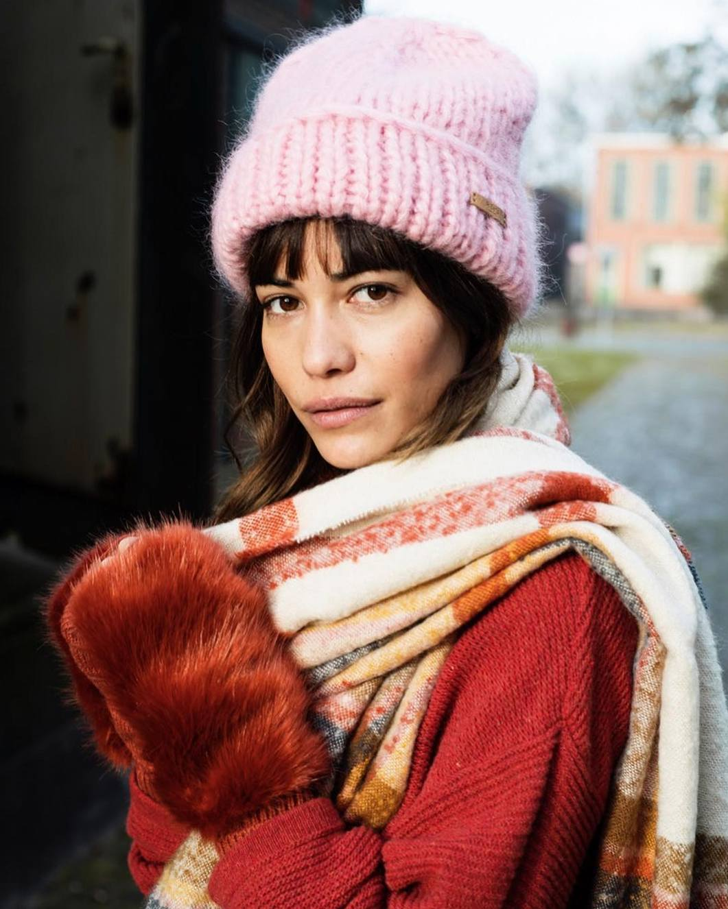 10 теплых женских шапок