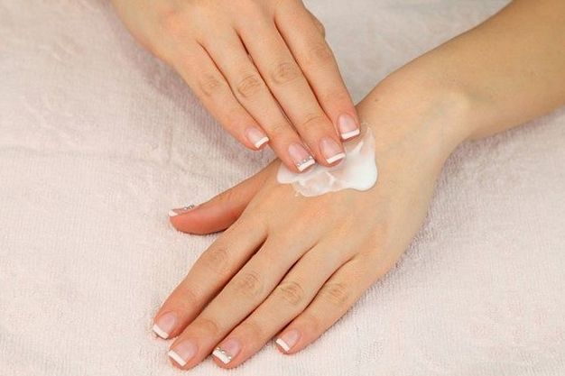 Уход за сухой кожей рук - домашние средства для сухой кожи рук