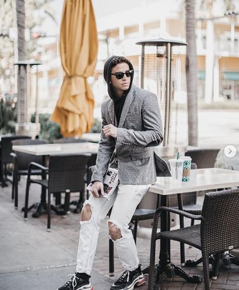 Как одеваться модно