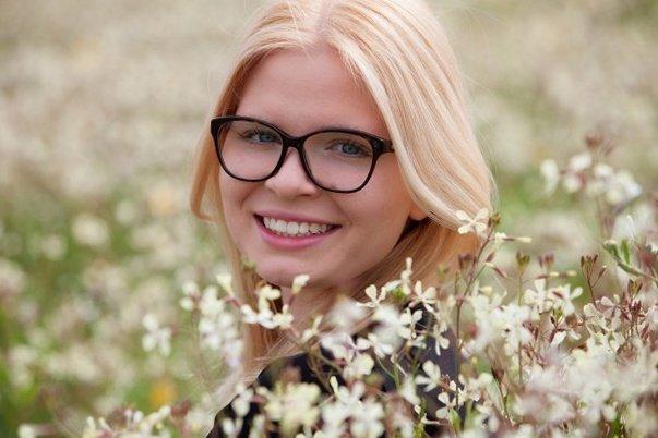Модные очки. Цветущий роман