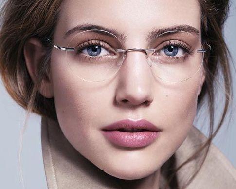 Модные очки. Простота