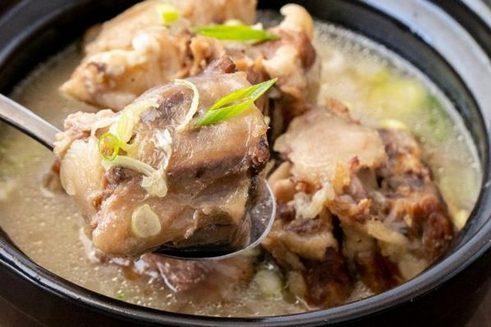 Корейская кухня. Kkori gomtang
