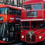 Лондонский автобус: красный маяк в тумане