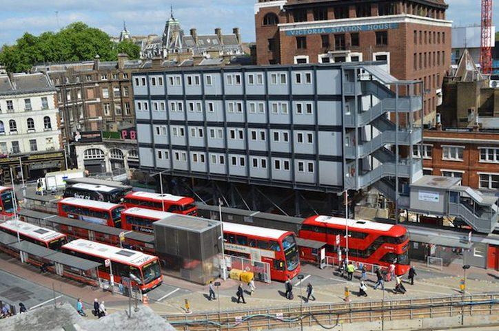 Лондонский автобус. Белые крыши