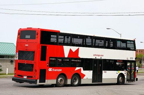 Лондонский автобус. Двухэтажные автобусы в Канаде