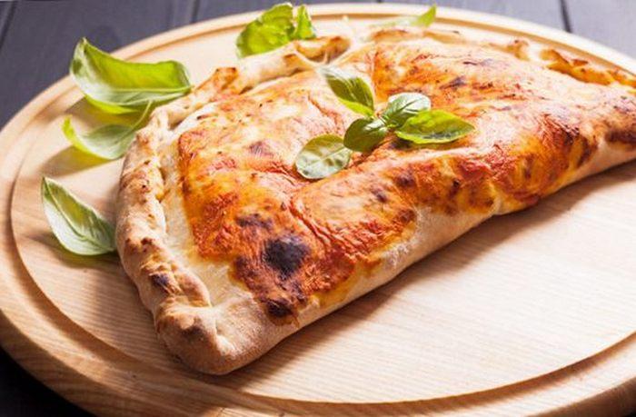 Виды пиццы. Кальцоне