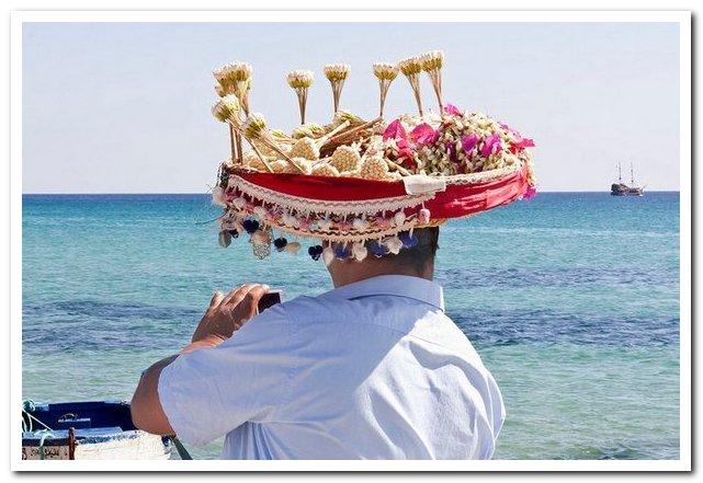 Курорты Туниса. Головной убор и жасмин