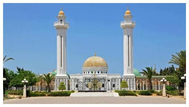 Курорты Туниса. Монастир. Мавзолей Хаббиба Бургибы