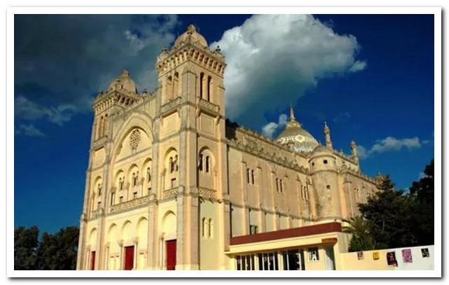 Курорты Туниса. Собор Святого Людовика