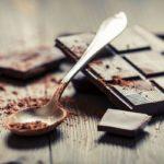 "<span class=""title"">Горький шоколад: 20 полезных свойств</span>"