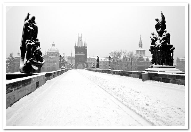 Достопримечательности Праги. Карлов мост зимой