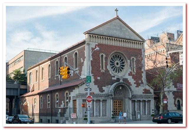 Район Челси Нью-Йорк. Церковь Ангела-Хранителя