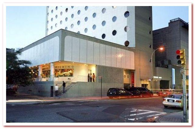 Район Челси Нью-Йорк. Maritime Hotel