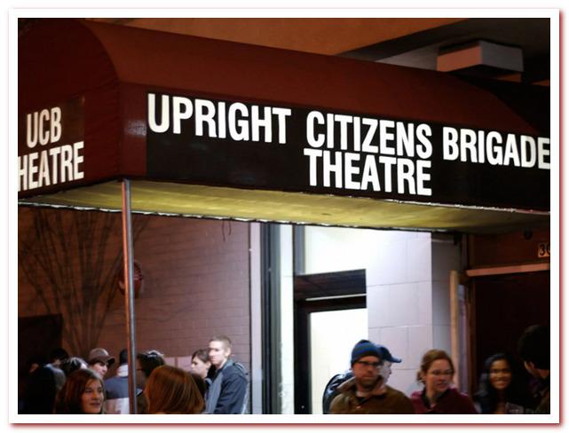 Район Челси Нью-Йорк. Upright Citizen's Brigade Theatre