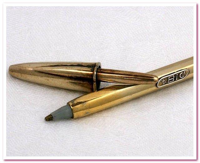 Шариковая ручка BIC Silver Anniversary Pen открыта