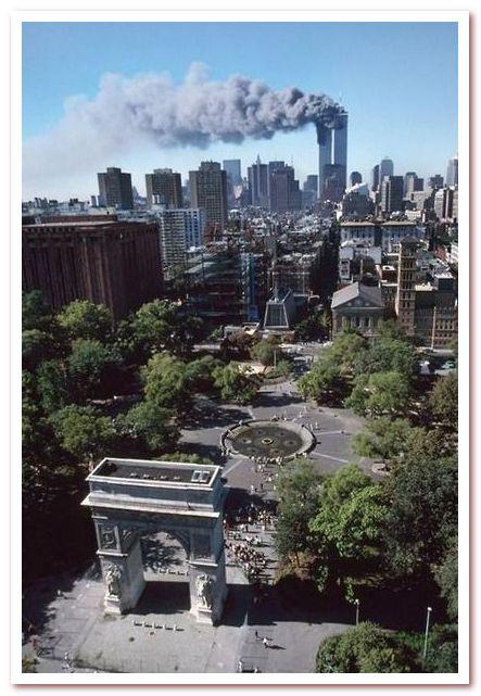 Гринвич-Виллидж. Вашингтон-сквер. 11 сентября