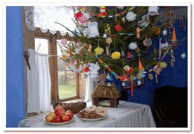 История новогодней ёлки. Пола́зник