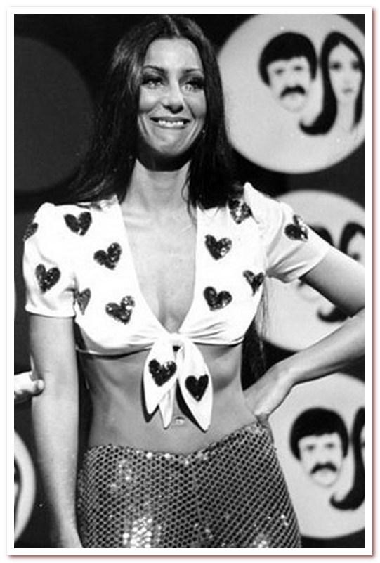Мода 70-х. Короткие топы