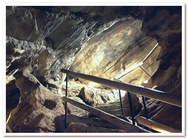 Достопримечательности Чехии. Чиновская пещера