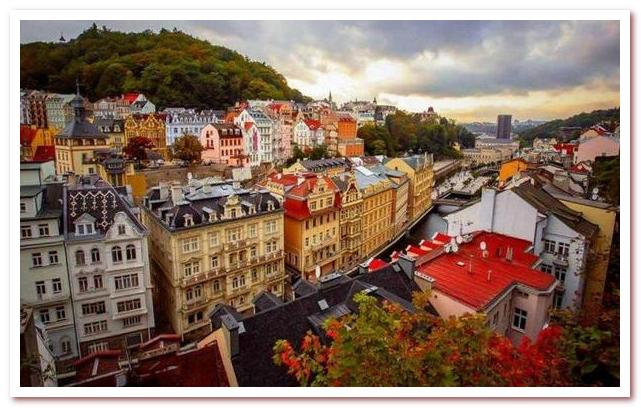 Достопримечательности Чехии. Река Тепла в Карловых Варах