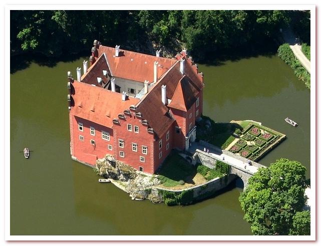 Достопримечательности Чехии. Замок Червена-Льгота