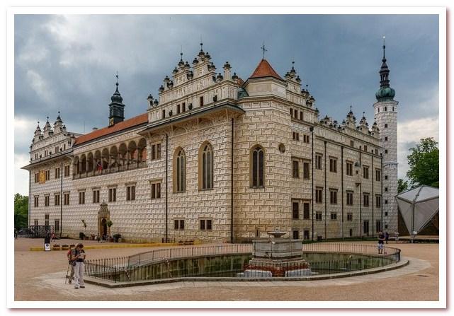 Достопримечательности Чехии. Замок Литомишль, украшенный сграффито