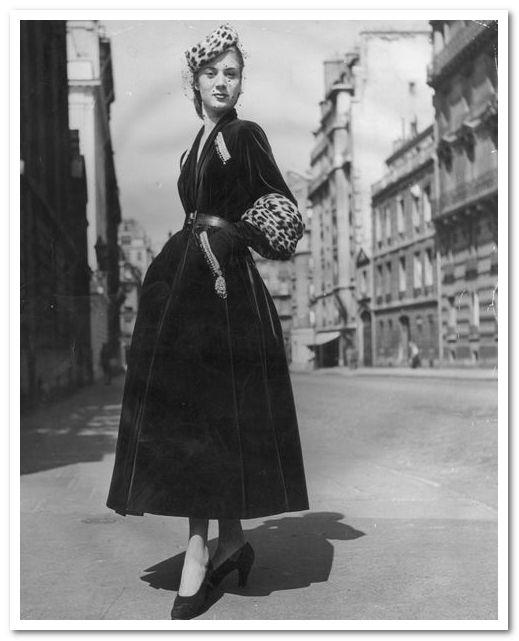 """Наряд """"Князь Игорь"""", созданный Dior в 1947 году."""