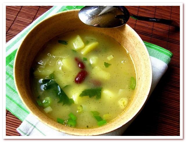 Чешская кухня. Суп овар с картофелем и фасолью
