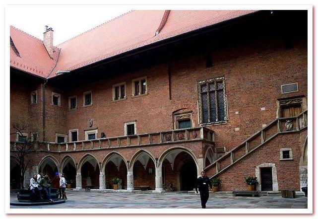 Ягеллонский университет в Кракове. Collegium Maius
