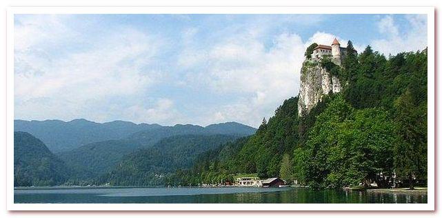 Курорты Словении. Часовни св Альбина и св Игнатия