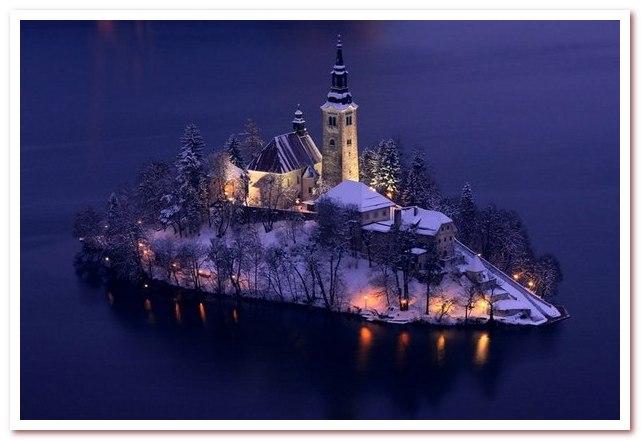 Курорты Словении. Церковь успения Девы Марии на острове Блед