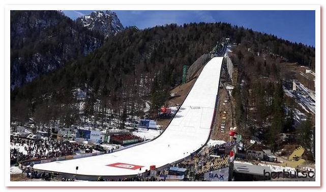 Курорты Словении. Лыжный трамплин в Планице