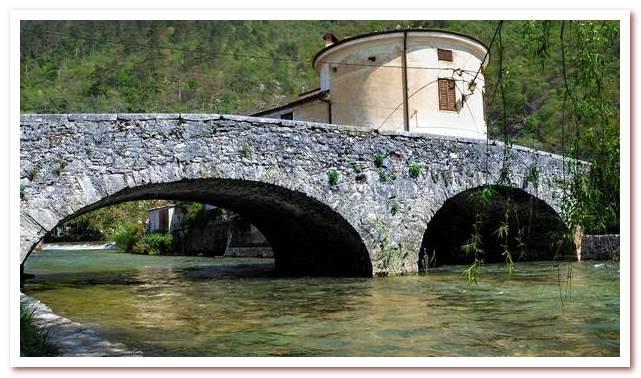 Курорты Словении. Випава. Каменный мост