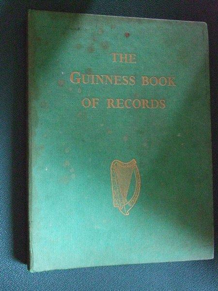 Пиво Гиннесс. Книга рекордов Гиннесса. Первое издание. 1955 год