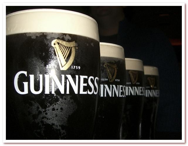 Пиво Гиннесс. Логотип всегда узнаваем