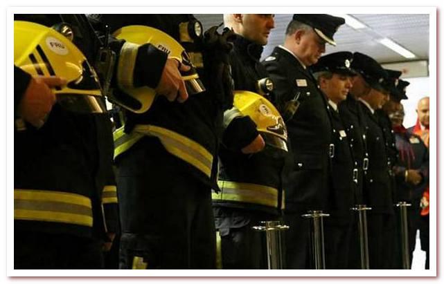 Пожарные чтут память погибших коллег