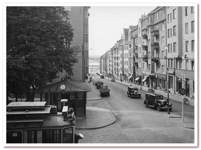 Остановка трамвая №1 на перекрестке Hantverkargatan - S: t Eriksgatan.