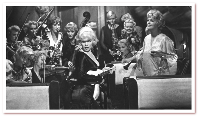 В джазе только девушки. Пара присоединяется к женскому джазовому оркестру Sweet Sue's Society Syncopators, чтобы укрыться в отеле Флориды на три недели