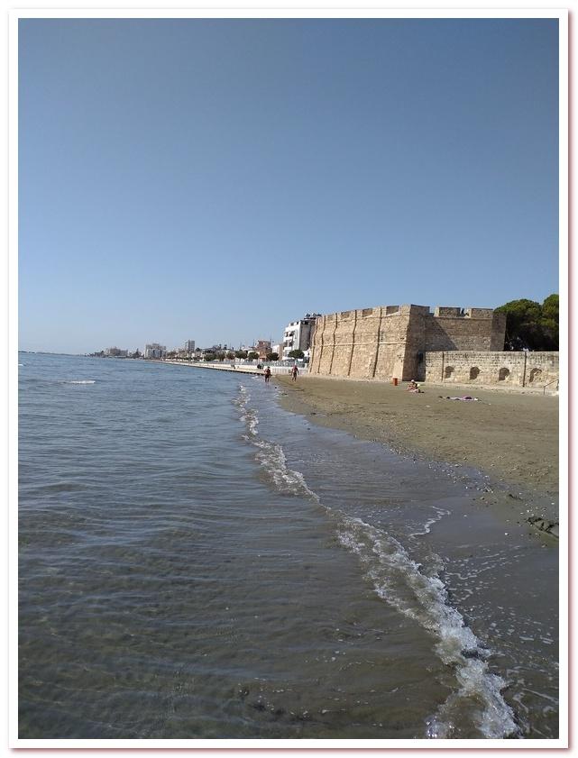 Курорты Кипра. Форт Ларнаки, вид с набережной