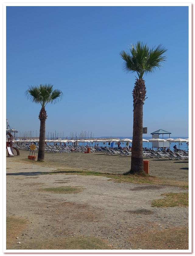 Курорты Кипра. Городской пляж Ларнаки