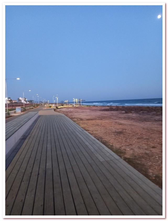 Курорты Кипра. Набережная Айа-Напы располагает к вечерним прогулкам (как и к утренним прбежкам)