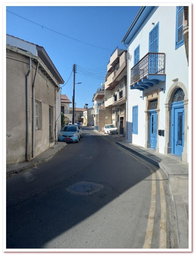 Курорты Кипра. Улочка в историческом центре Ларнаки