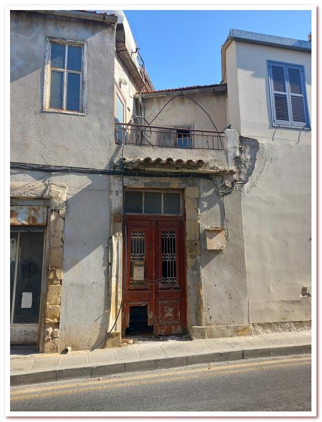 Курорты Кипра. Улочка в историческом районе Ларнаки