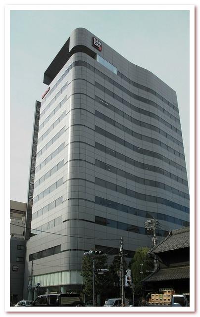 Модные тамагочи. Здание Bandai в Токио