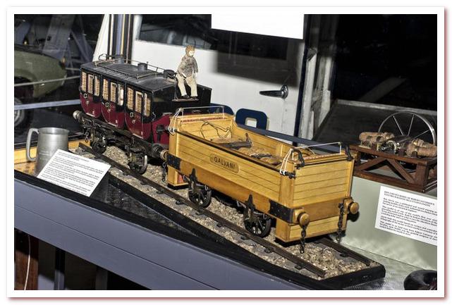 История железных дорог. Макет электровоза Galvani